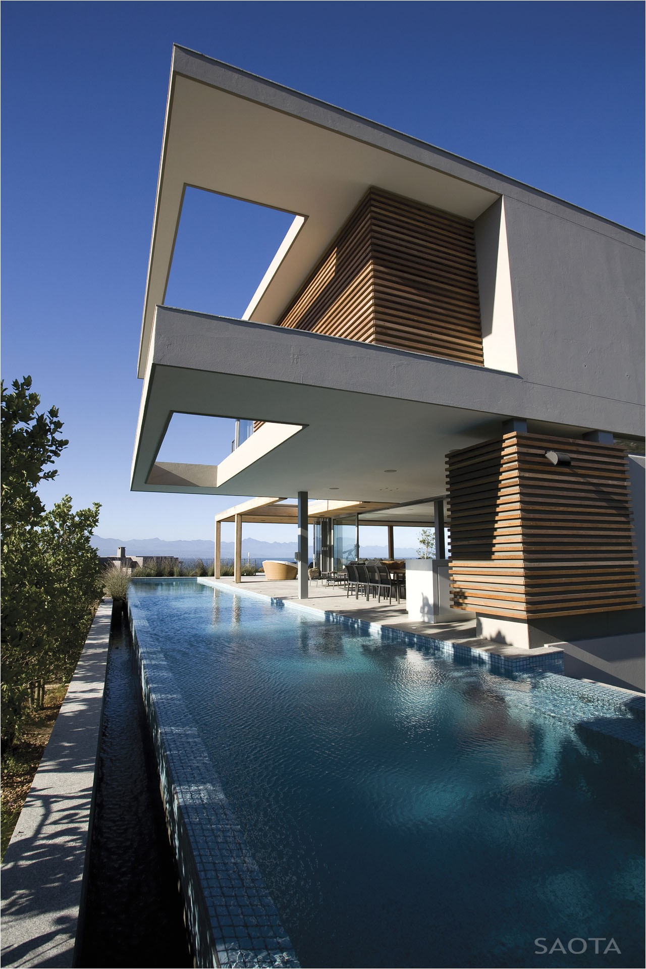 contemporary beachfront home in south africa