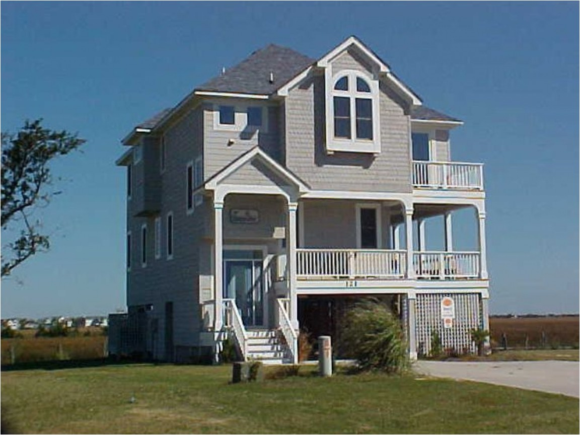 a098d7efe674231b bungalow narrow lot house plan narrow lot beach house plans