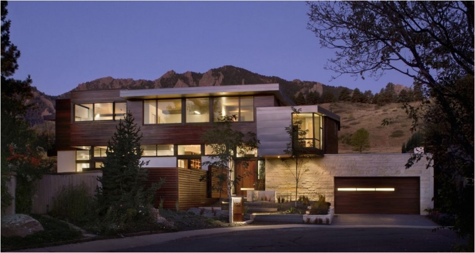 threshold between the city and the mountain park syncline house in colorado