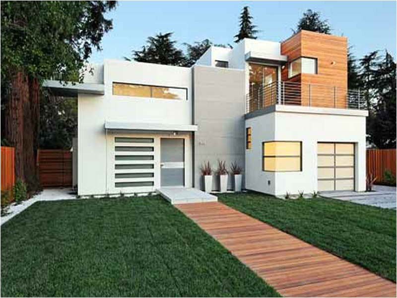 small contemporary house plans with the green grass