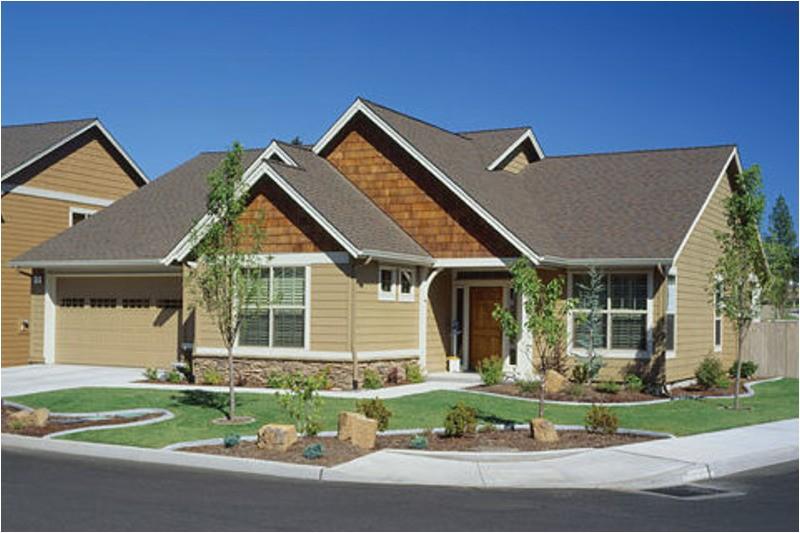 2000 square feet 3 bedrooms 2 bathroom craftsman home plans 2 garage 31641