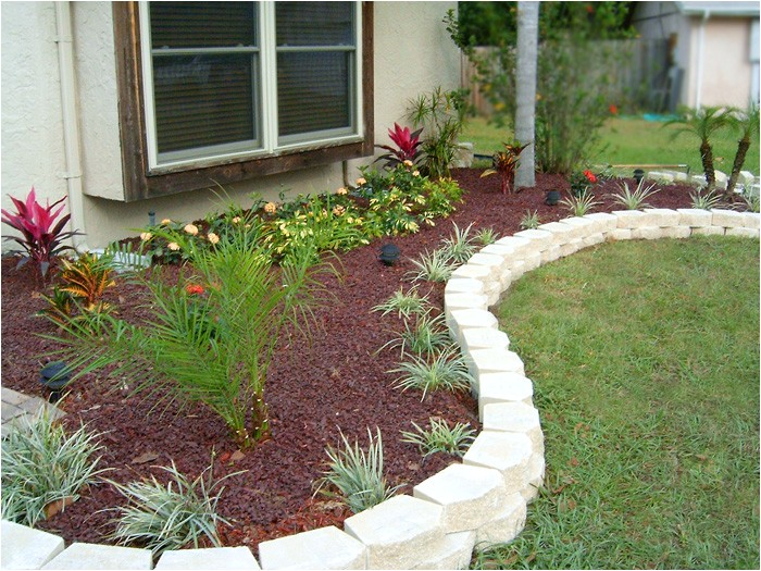 flower bed plans for front of house