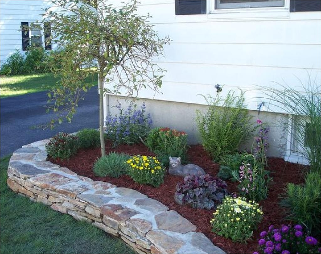 small flower bed ideas for front of house