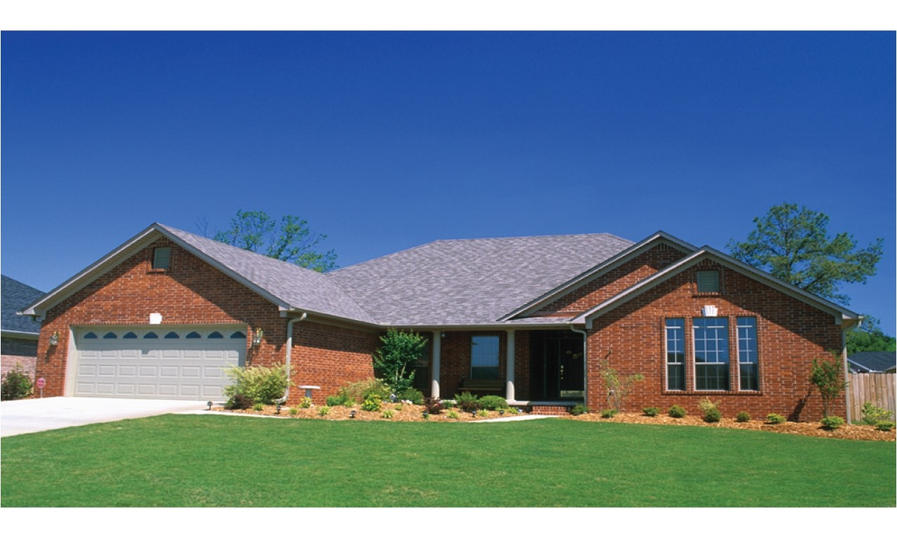 2ee6260be95a1e2e brick home ranch style house plans ranch style homes craftsman