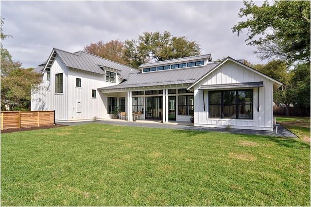 modern farmhouse farmhouse exterior austin