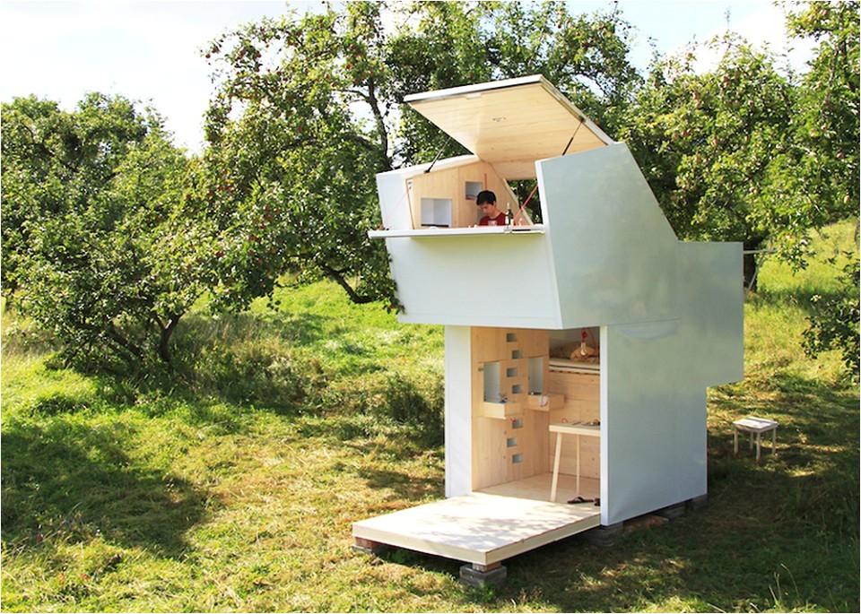 mobile modern modular 15 capsules for off grid living