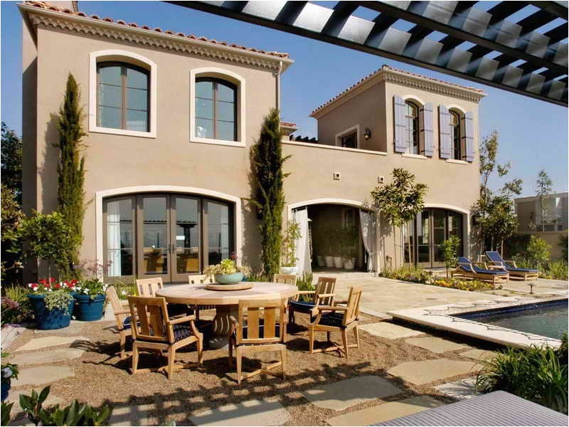 mediterranean home plans with courtyards