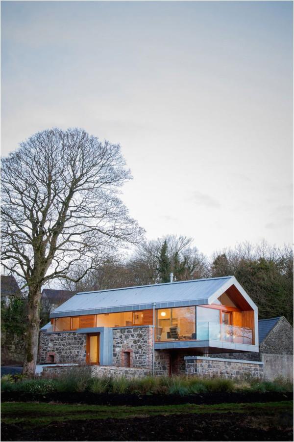 10 modern barn style houses