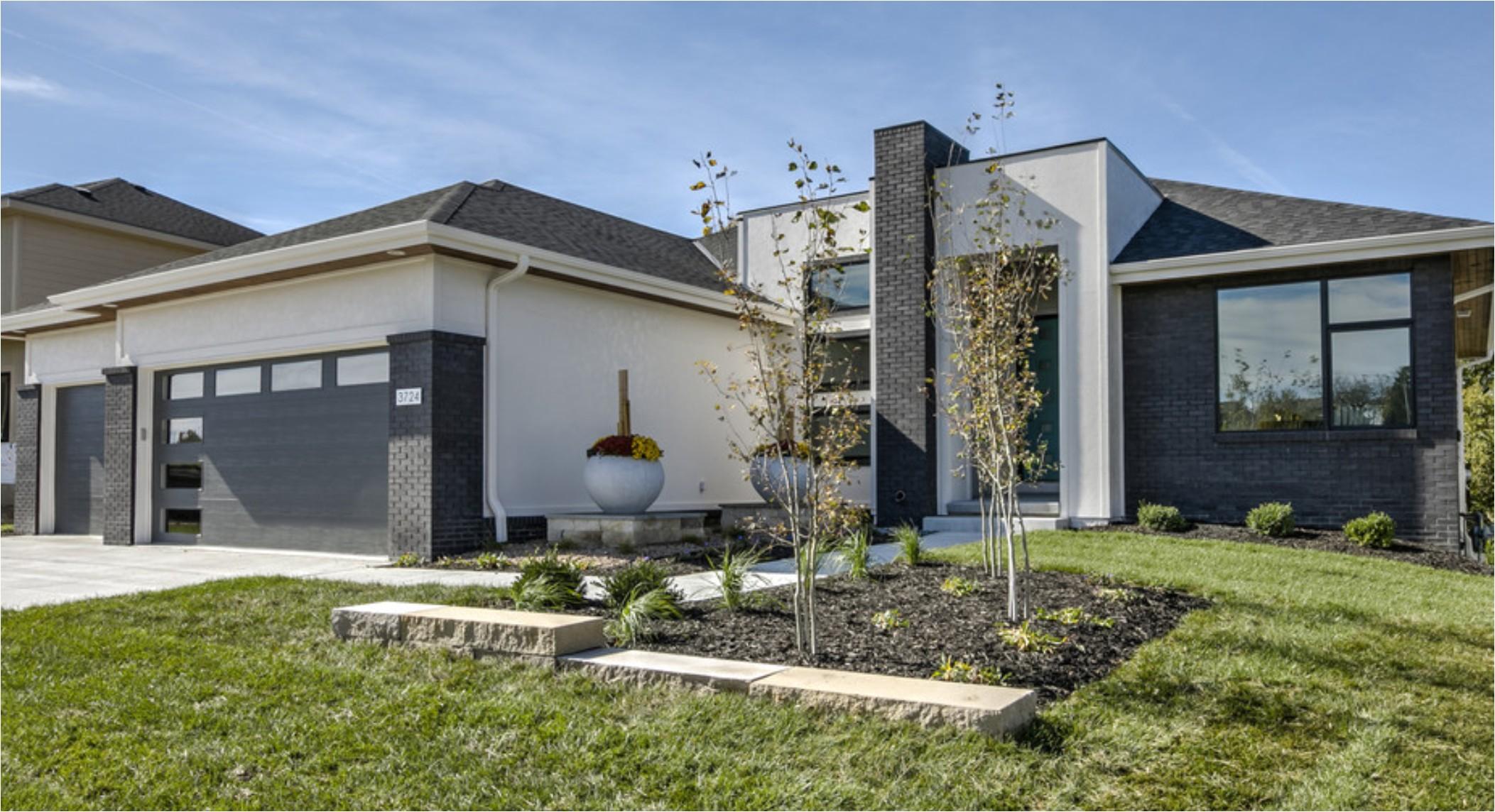 custom home builders omaha