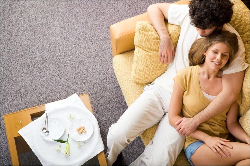 plan last minute romantic date night home