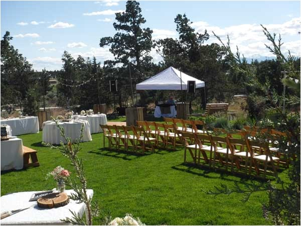 how to plan an outside wedding