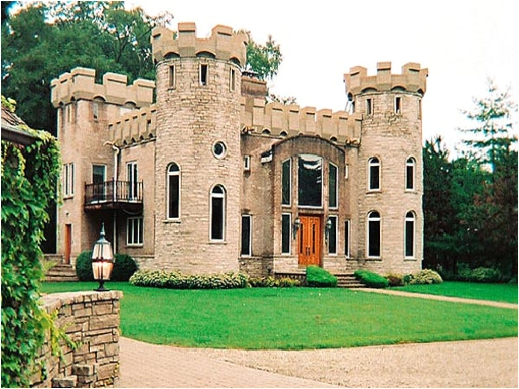 9119d83104790b85 small castle style house mini mansions houses italian style