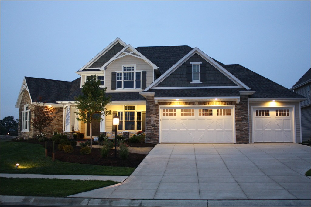 2196 square feet 4 bedrooms 2 5 bathroom craftsman home plans 2 garage 35147