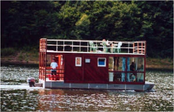 house boat plans to live the idyllic life on the water