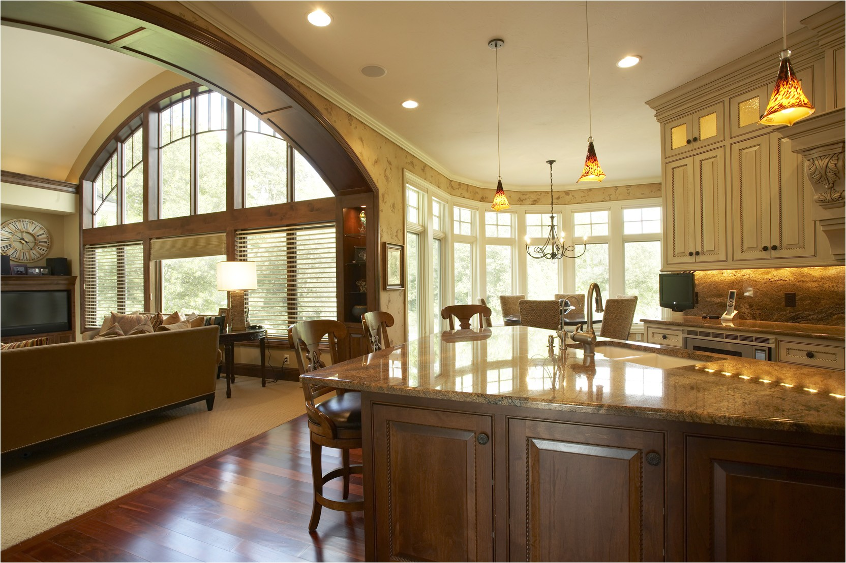 house plans with large kitchen windows