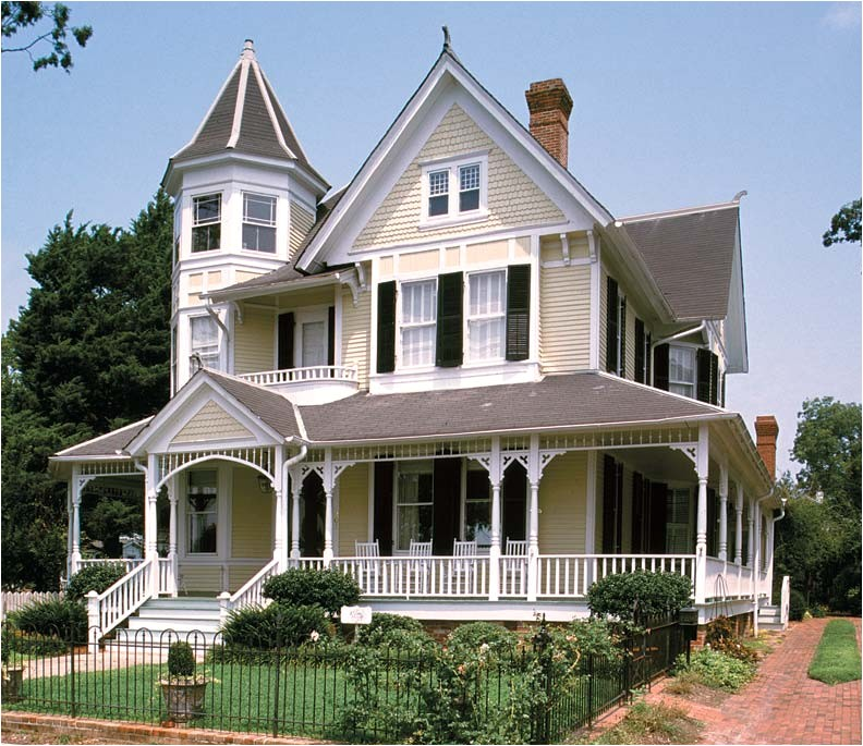 the charm of queen anne houses