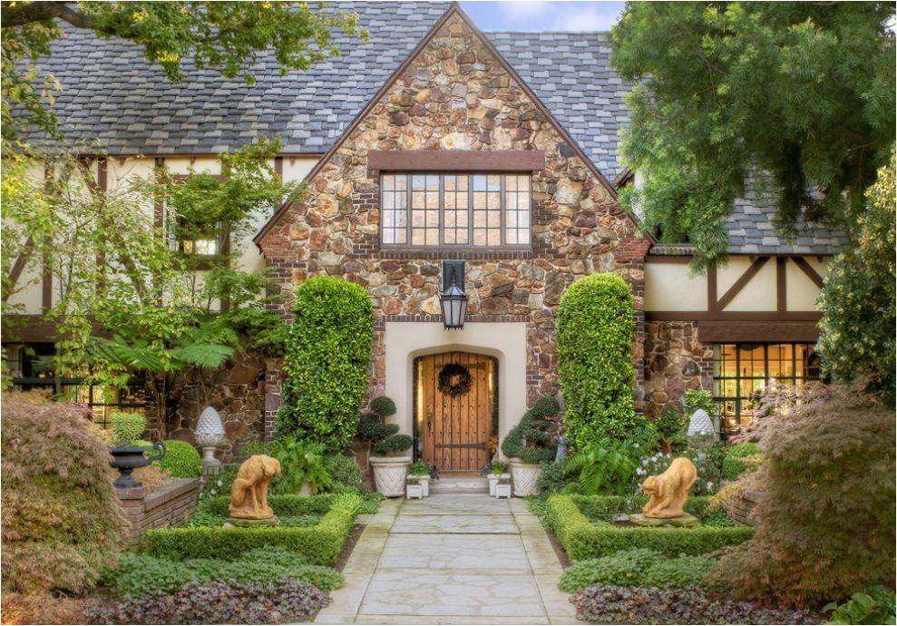 bring tudor style house