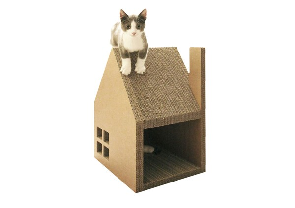 krabhuis a cardboard house for cats to scratch play with