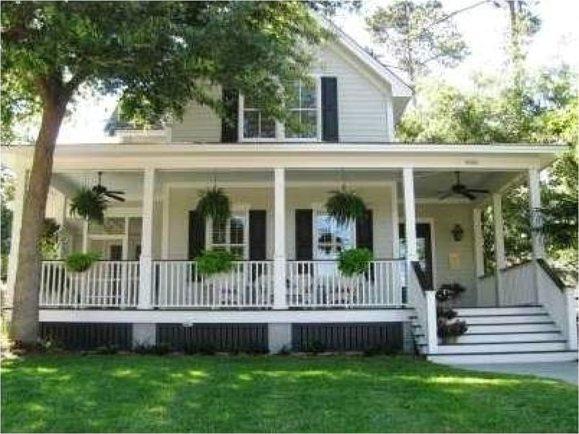 4d5386e7d1baea02 southern country style homes southern style house with wrap around porch