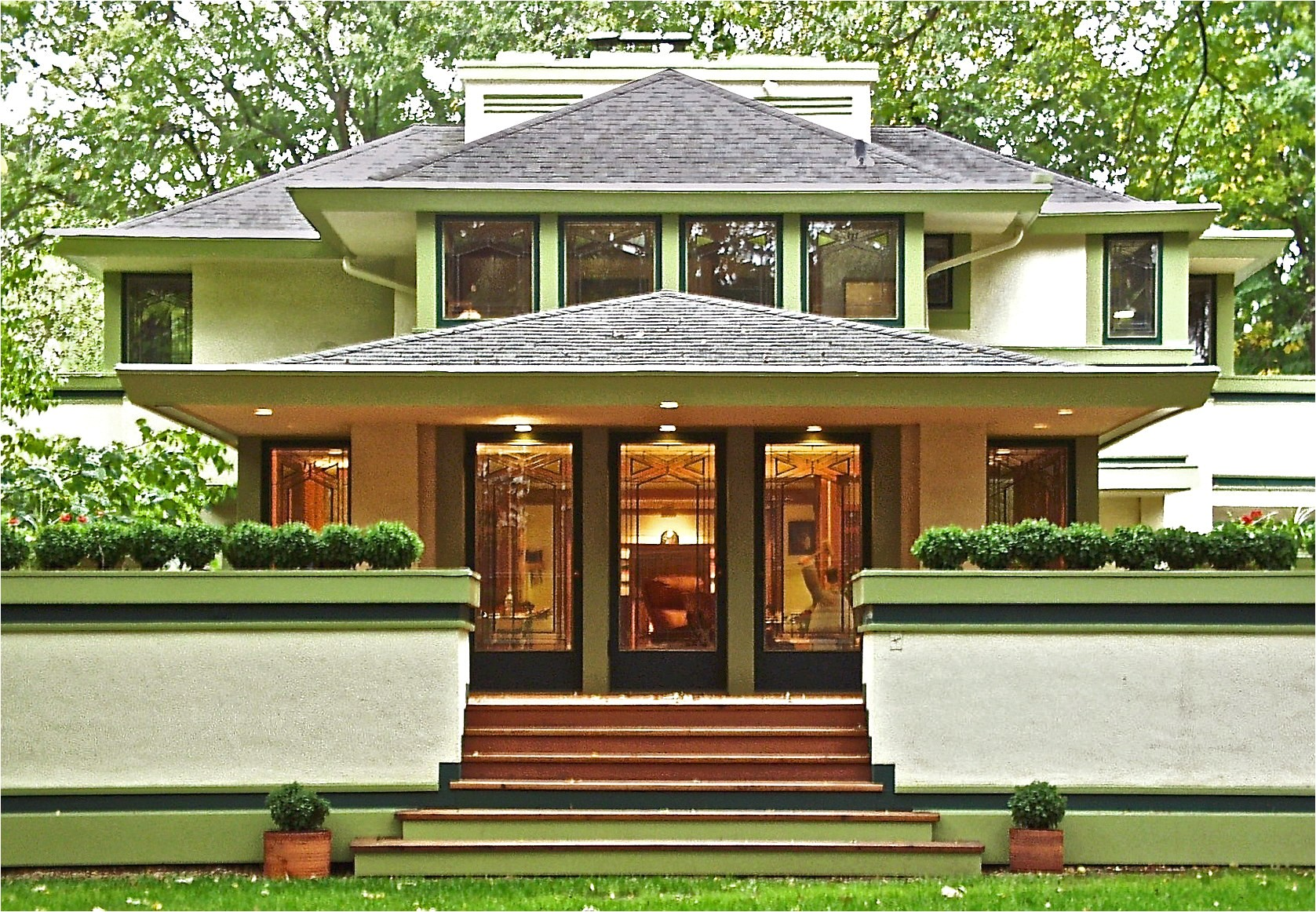 frank lloyd wright style homes for sale