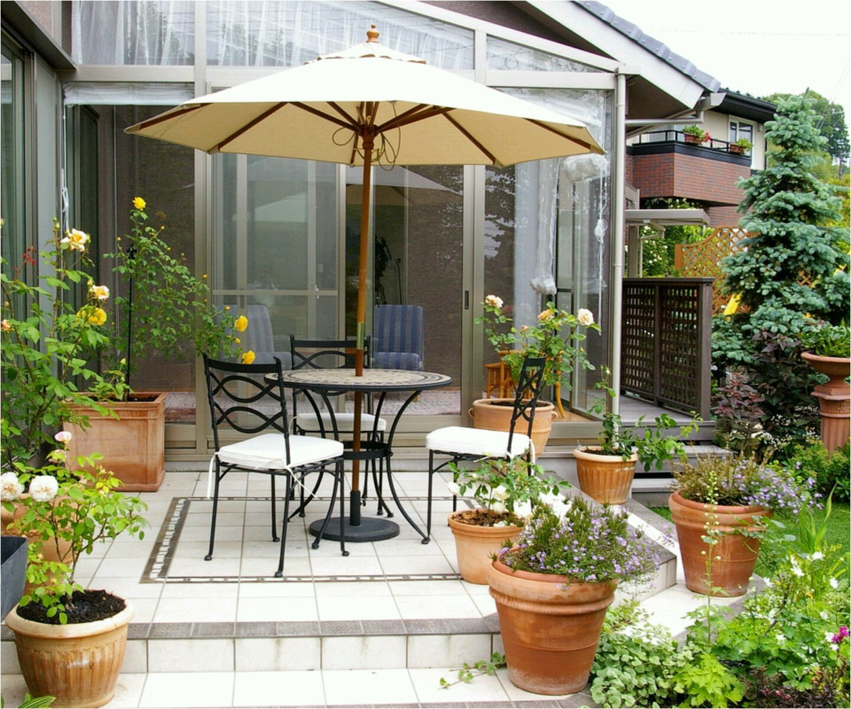 modern luxury homes beautiful garden