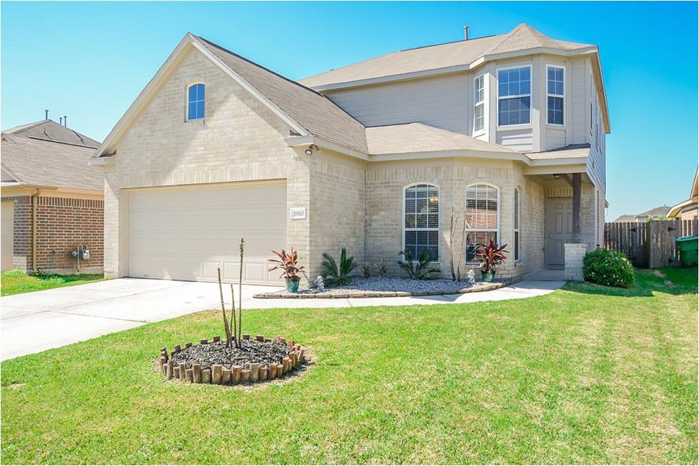 homes under 200k curb appeal