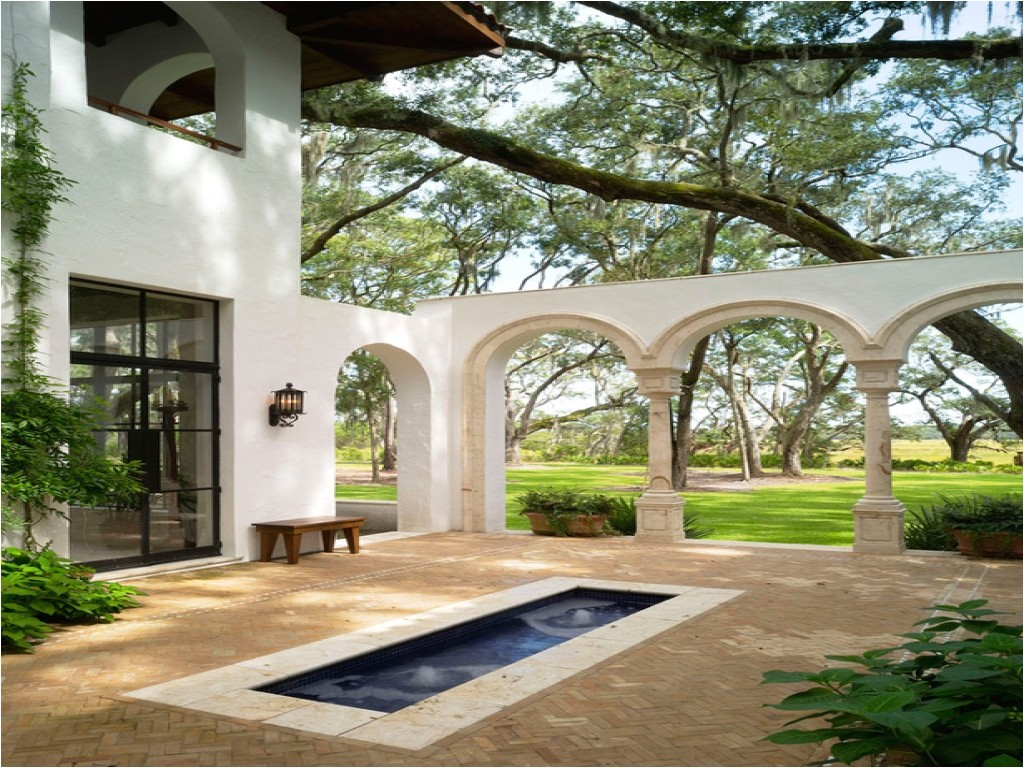 922a0f8e1d60bfa9 spanish style homes with courtyards spanish style homes with courtyards