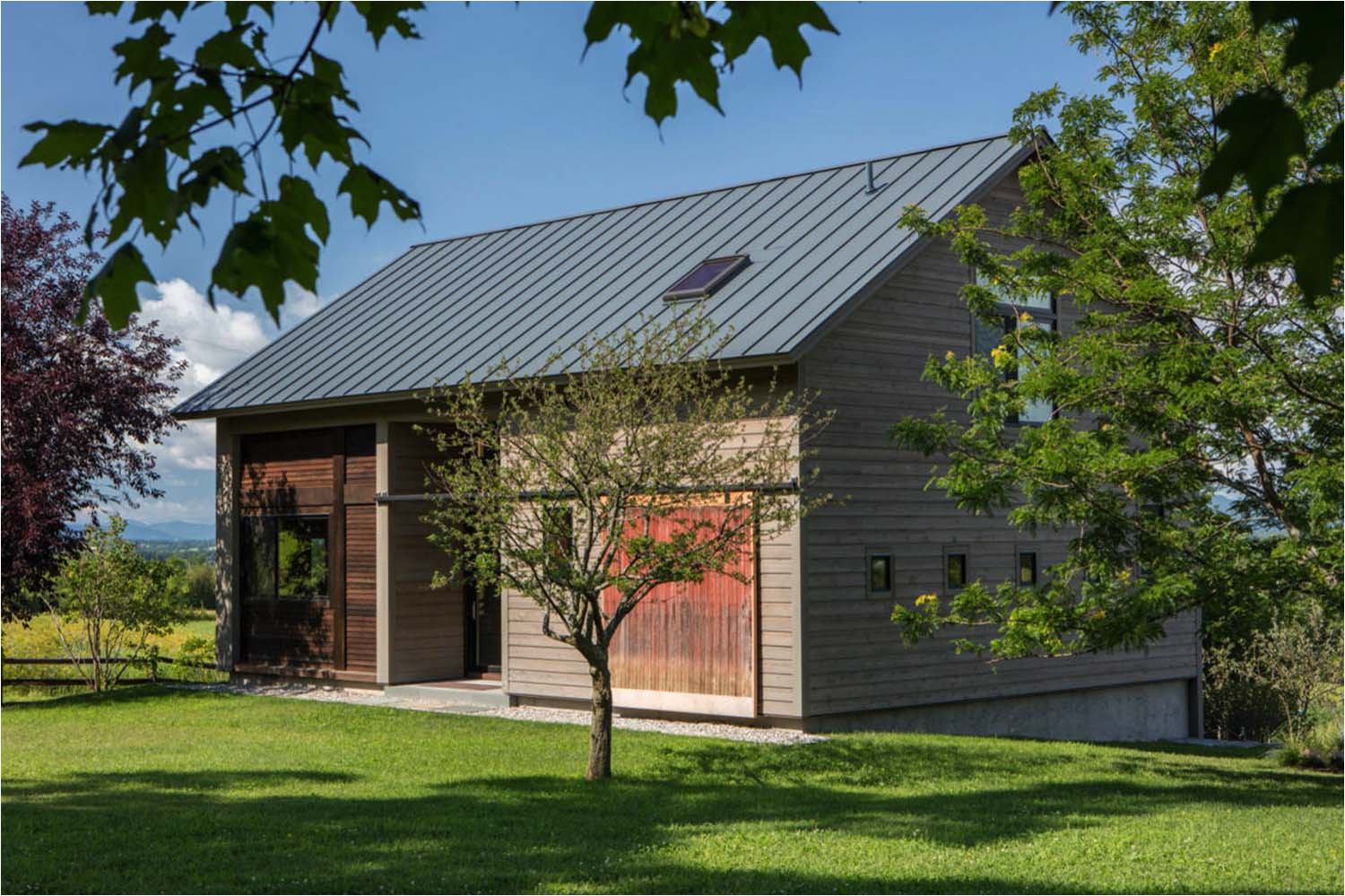 Barn Guest House Plans Carriage Barn Converted Into Breathtaking Guesthouse In