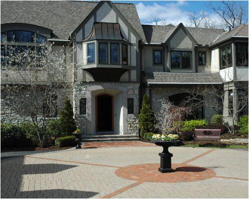 courtyard driveway
