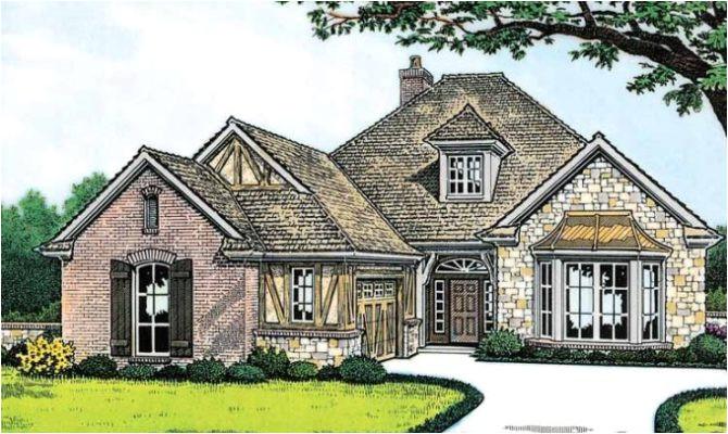 11 cool english tudor style homes