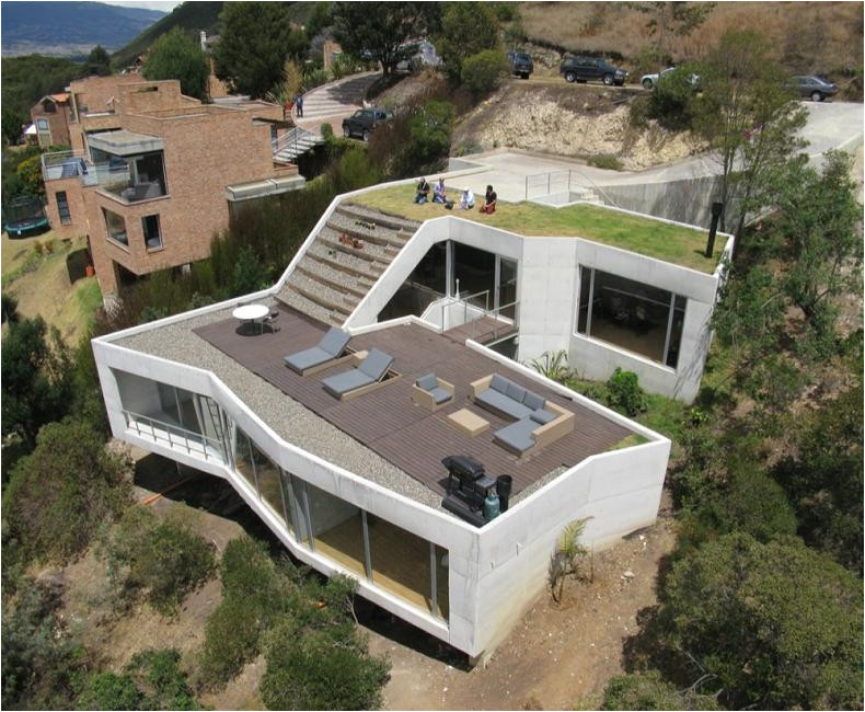 beautiful home on a steep hill with incredible view 14 pics
