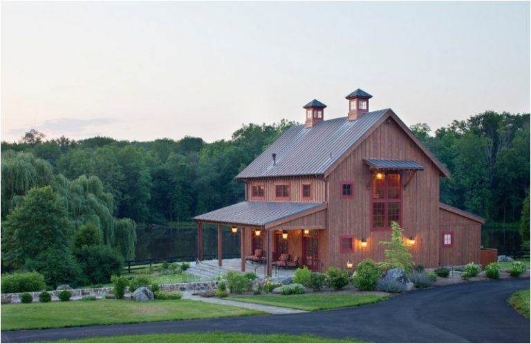 houses that look like barns