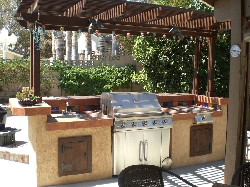 10 outdoor kitchen plans turn your backyard into entertainment zone