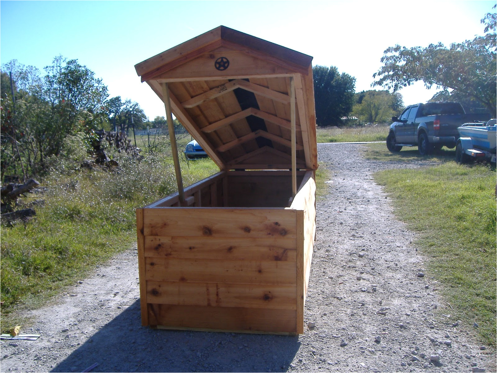 how to build a well insulated dog house1