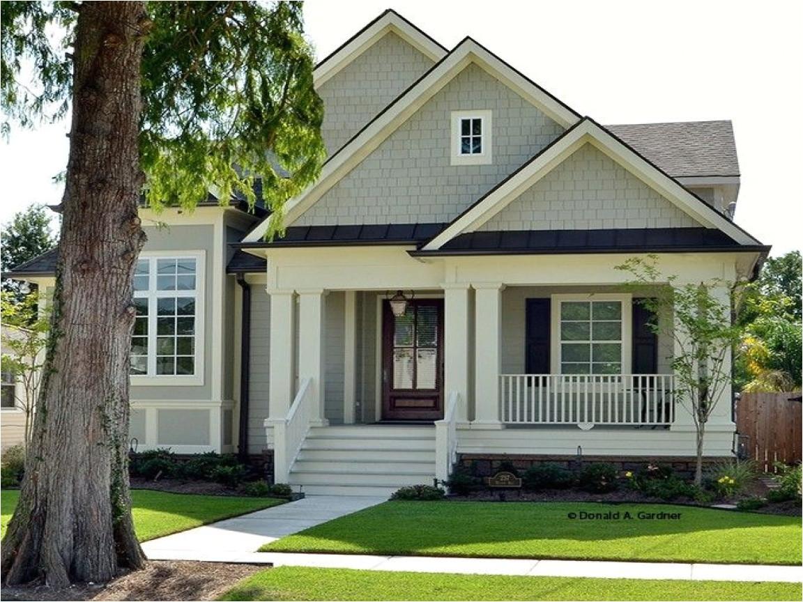cded00043c8e6a46 lake house plans narrow lot craftsman bungalow narrow lot house plans
