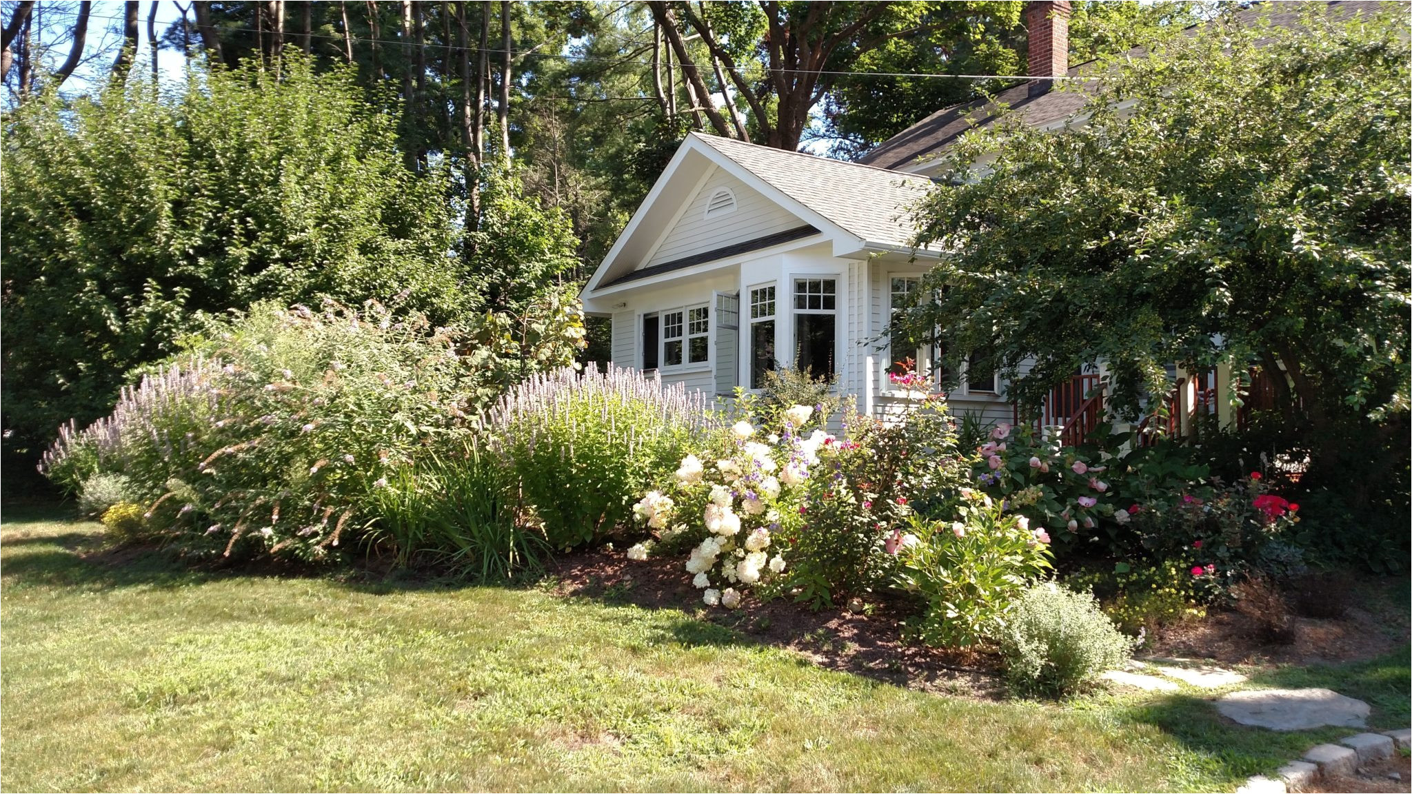 planning to sell your home next spring fall is the time to spruce up your yard