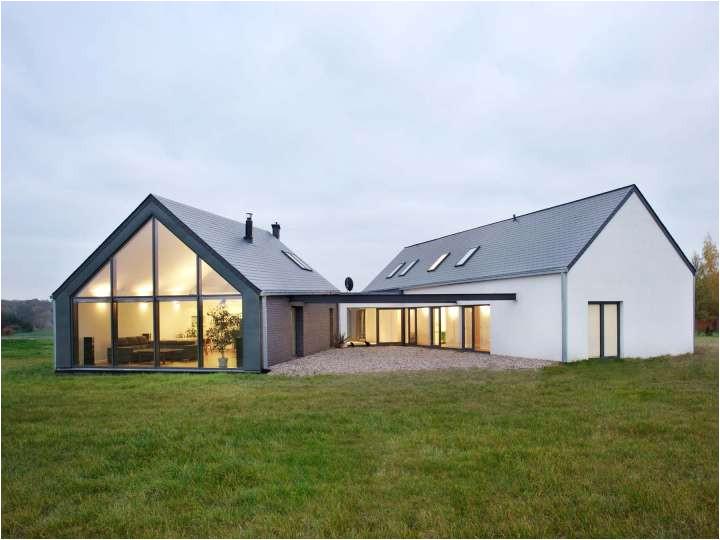 unique triangle shaped metal home 9 pictures 2 floor plans