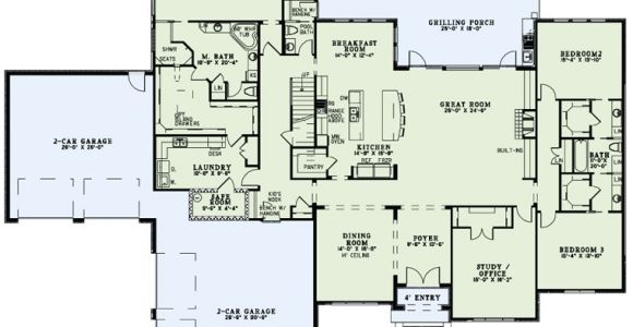 House Plans with Laundry Room attached to Master Bedroom Like the Master Closet attached to Laundry First Floor