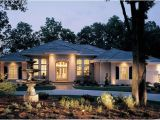 Luxury Ranch Home Plans Luxury Ranch Home with Stucco Exterior